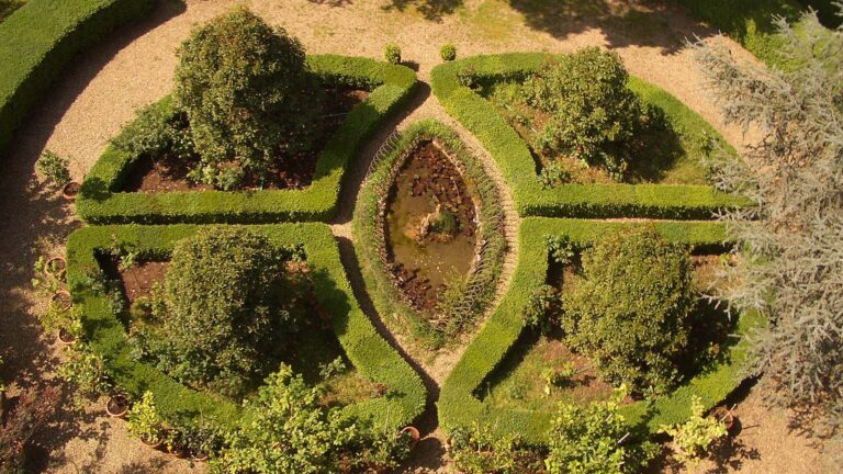 Exclusive experience in Chianti - The Italian garden from the castle's tower