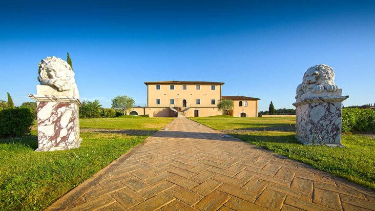 WS TOP 100 TOLAINI winery welcomes you in the owners Villa