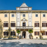 A classic noble villa in central-southern Tuscany is the headquarters of Tenimenti d'Alessandro
