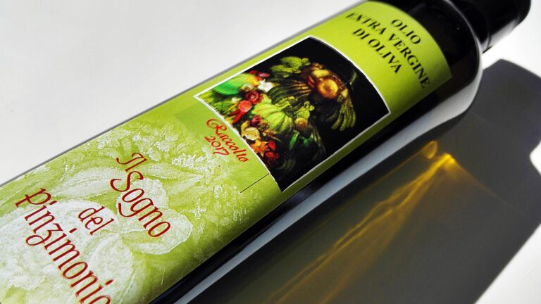 Chianti's Extra Virgin Olive Oil to be enjoyed in pairing with raw vegetables (the Tuscan Pinzimonio)