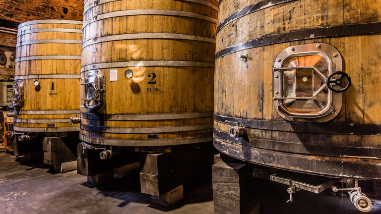 TOSCANA, ancient wood and high-tech inox steel is today winemaking