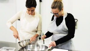 Tuscan pastry chef LORETTA FANELLA teaches at your pastry cooking school