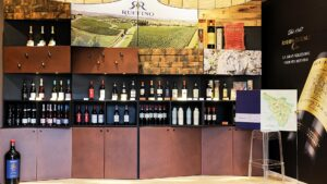 Wine, liqueurs and chocolate are considered to be a difficult, if not impossible, combination